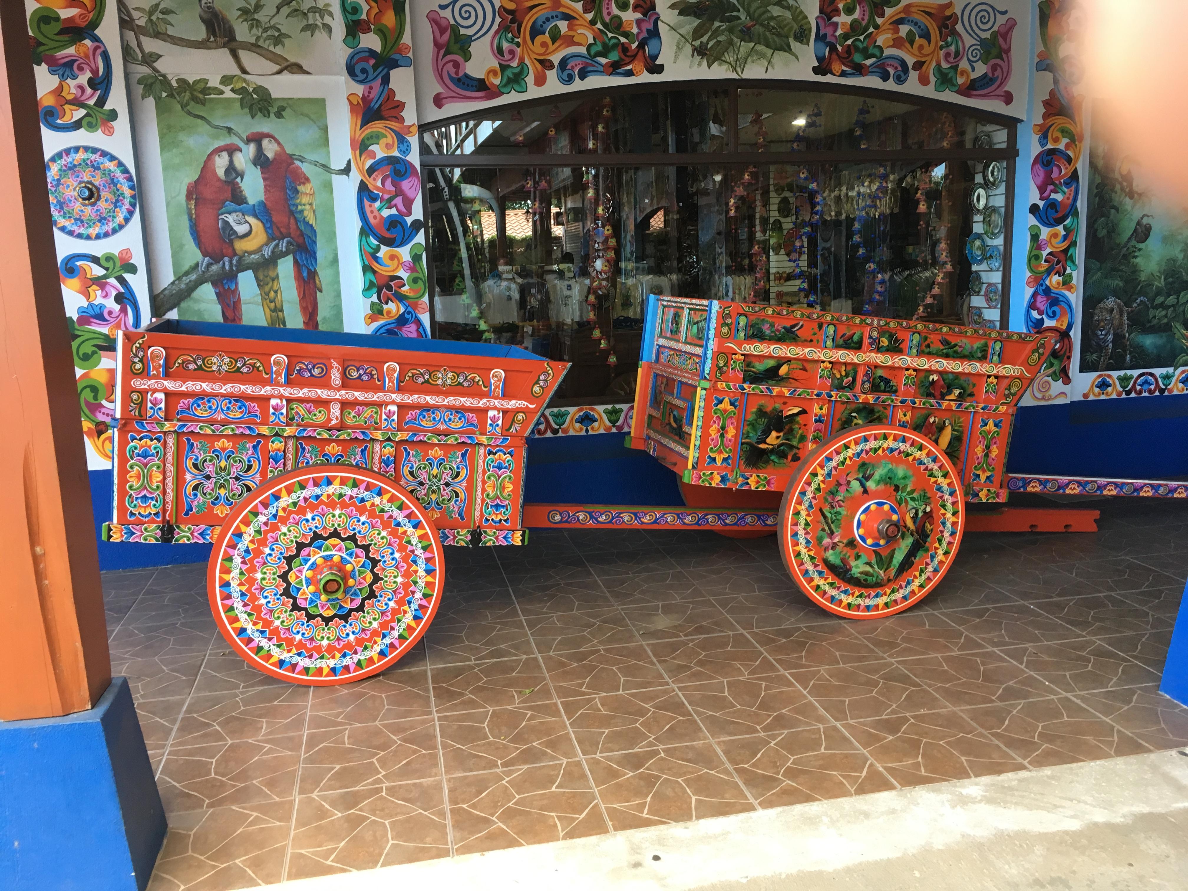 Char à boeufs très décoré de Sarchi